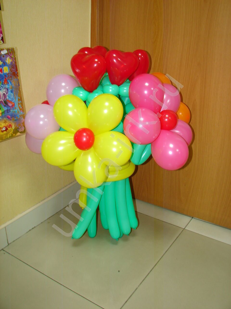 Фото цветка из шариков